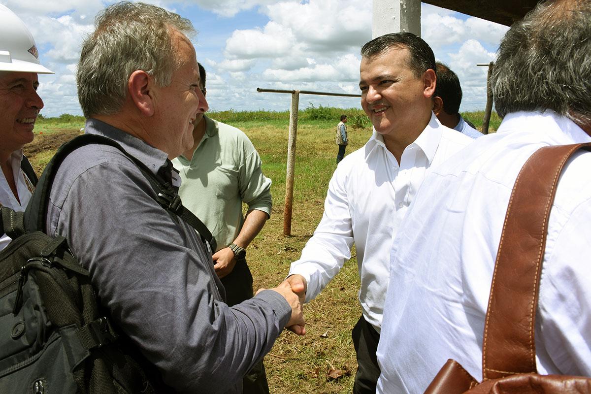 """David Sánchez: """"Con firma para desarrollo de Puerto Busch ganamos una batalla centenaria"""""""