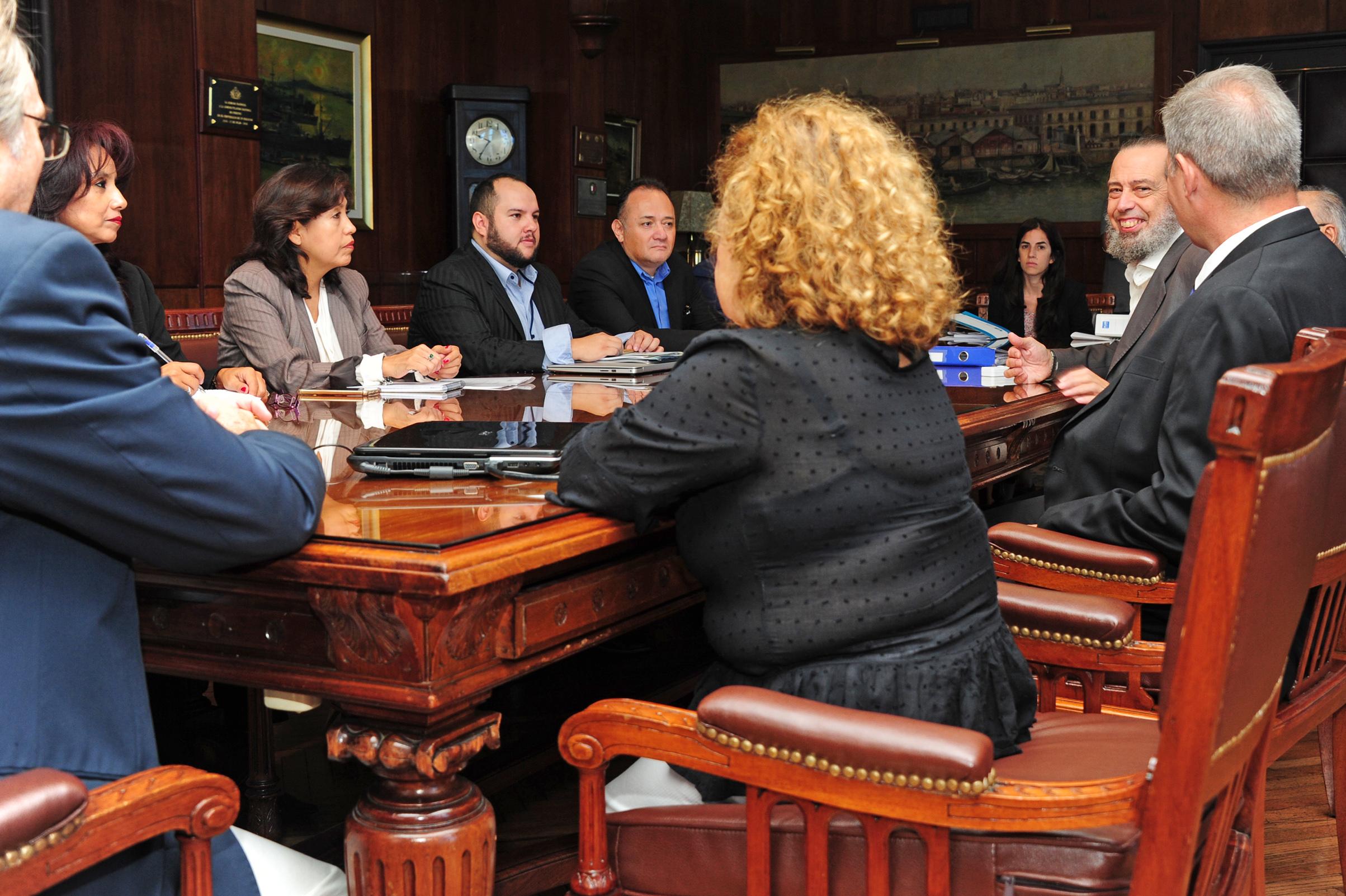 """Presidente ANP Uruguay: """"Estamos en condiciones de concretar flujo de carga boliviana en puertos uruguayos"""""""