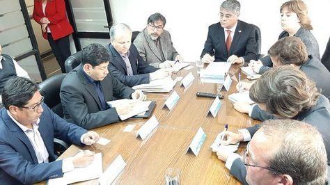 Sánchez califica de 'productiva' cita por tarifas en Arica y prevé para este martes resultados